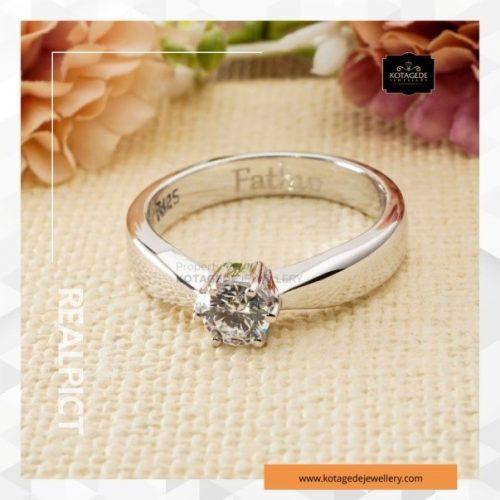 model cincin tunangan emas 4